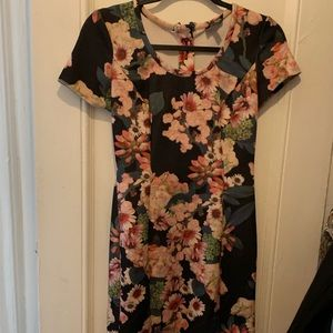 Chic cocktail or business flowered dress